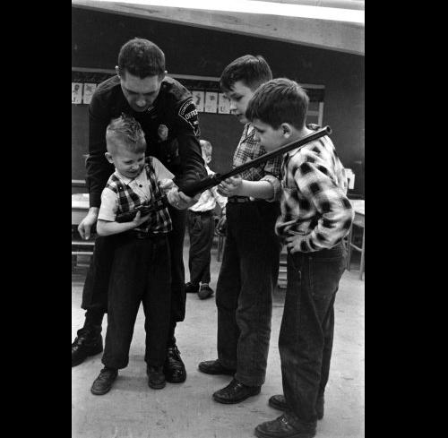 Teaching guns at school - Life magazine 2