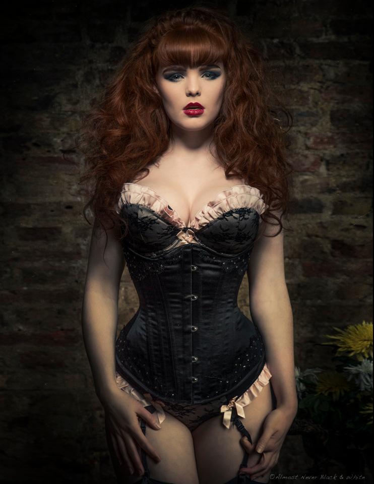 MissDeadlyRed_Redhead (11)
