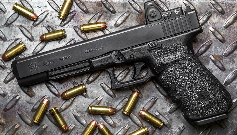 Trijicon's RMR, mounted on a Glock 40 10mm (Photo: Trijicon)
