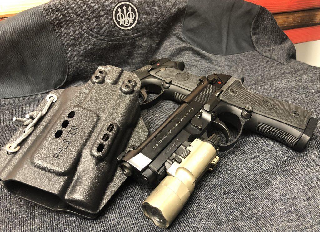 beretta 92x centurion pistol in a phlster floodlight holster iwb